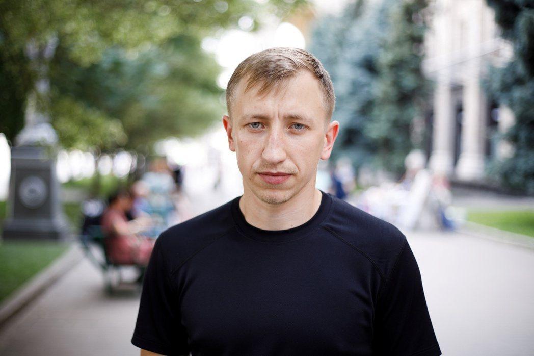 斯秀夫是「烏克蘭白俄羅斯之家」會長,這是一個協助逃亡成功的白俄羅斯人在烏克蘭找住...