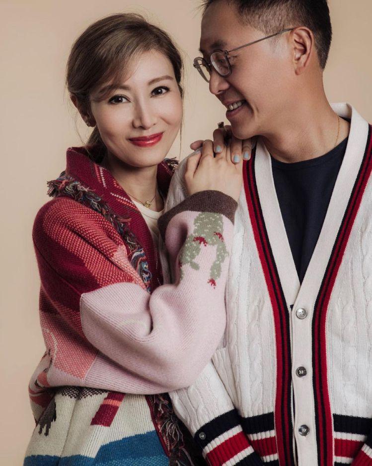 李嘉欣(左)婚後多在家相夫教子。圖/摘自IG