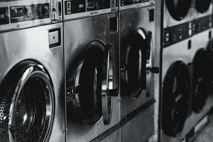 洗衣服不要浸泡太久。圖/摘自Pelexs