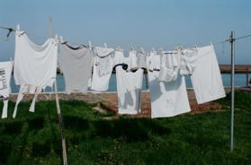 清潔必學「正確洗衣服」!5大錯誤幾乎所有人都犯,洗衣精倒越多、衣服浸泡越久越乾淨?