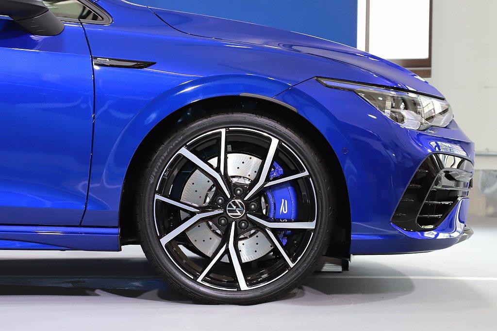 福斯Golf 8 R/R Variant懸吊系統大幅升級,採用減輕3公斤的鋁合金...