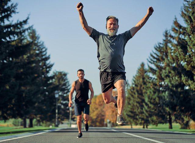 運動能使人充滿活力、看起來更年輕。 圖/Trainge 提供