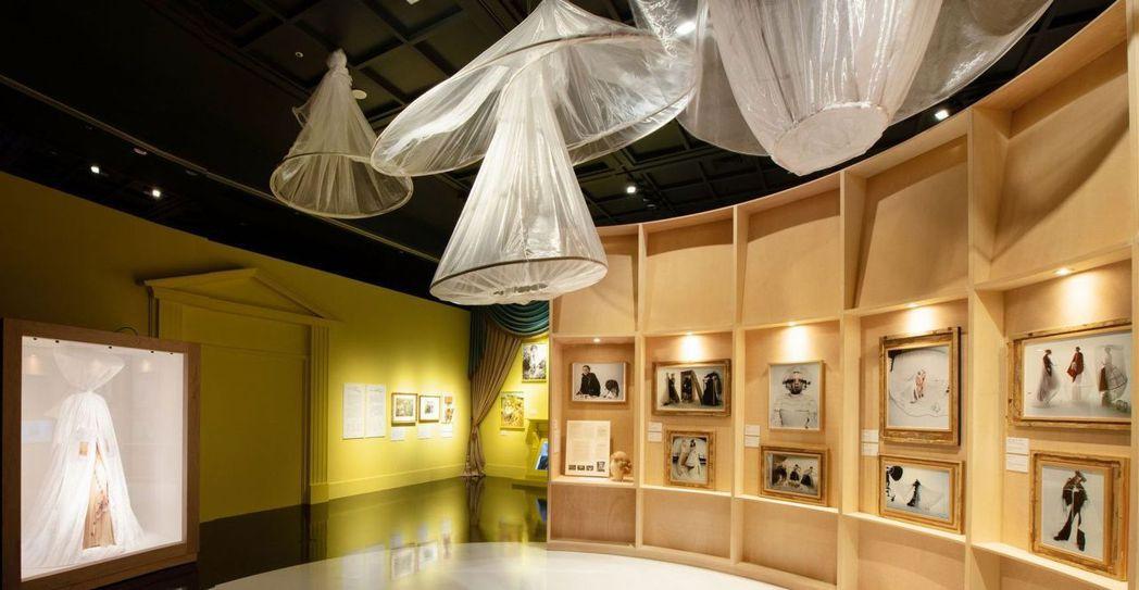 Tim Walker特展第二展區-珍藏與維護。  奇美博物館/提供