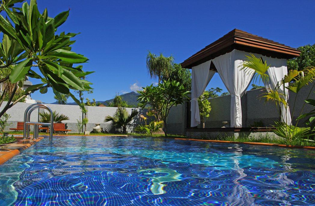 日暉獨棟泳池villa 渡假好fun心。