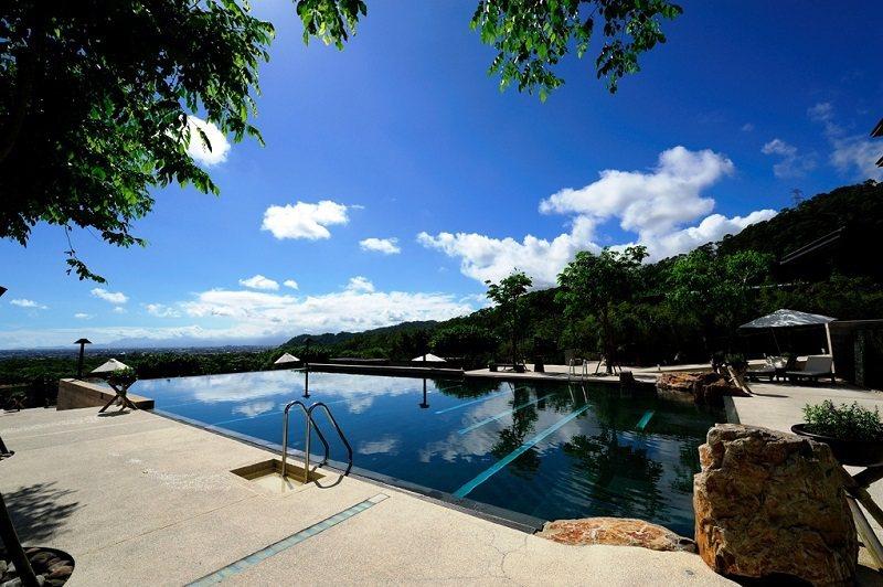 礁溪老爺的洞天風呂無邊際泳池。 業者/提供