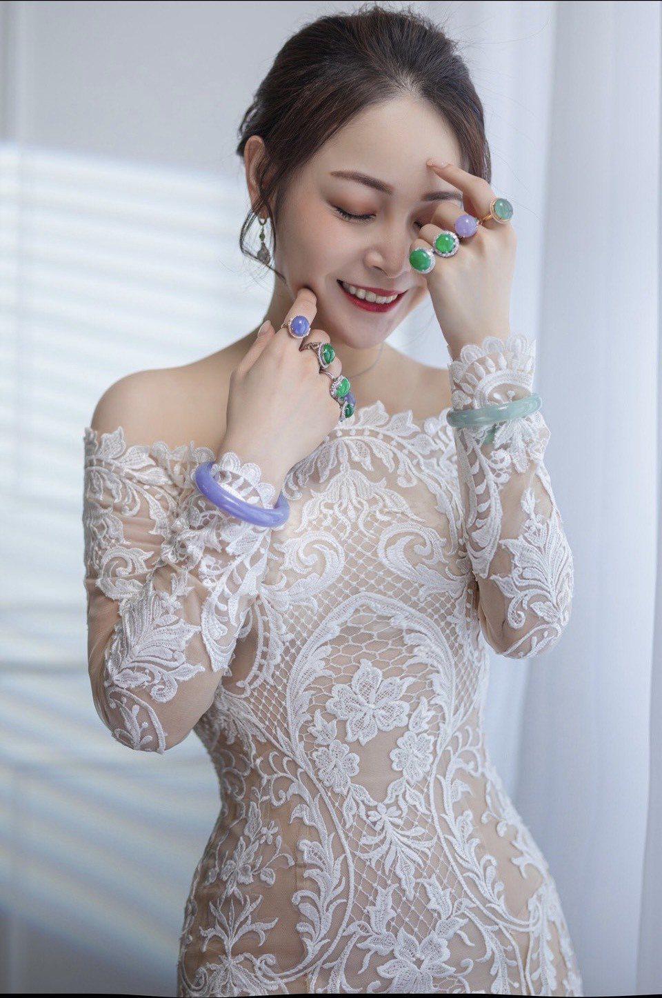 圖:時尚精品直播小天后李若晴說:「銷售是份辛苦的職業,但也是成就感的累積,期盼自...