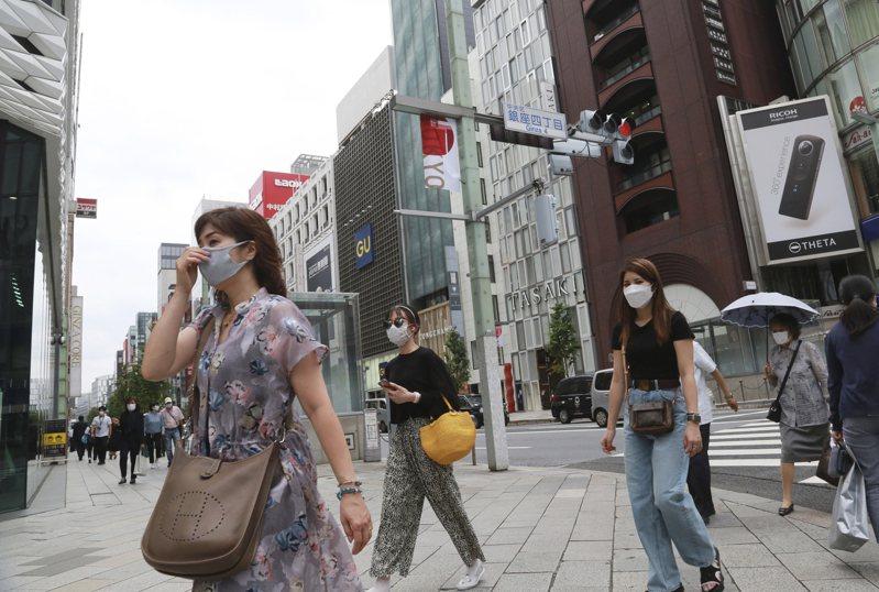 日本防疫專家今天在一場會議上推估,傳染力強的Delta變種病毒株,在首都圈(東京都、神奈川縣、埼玉縣、千葉縣)可能已占整體COVID-19(2019冠狀病毒疾病)感染約9成。 美聯社