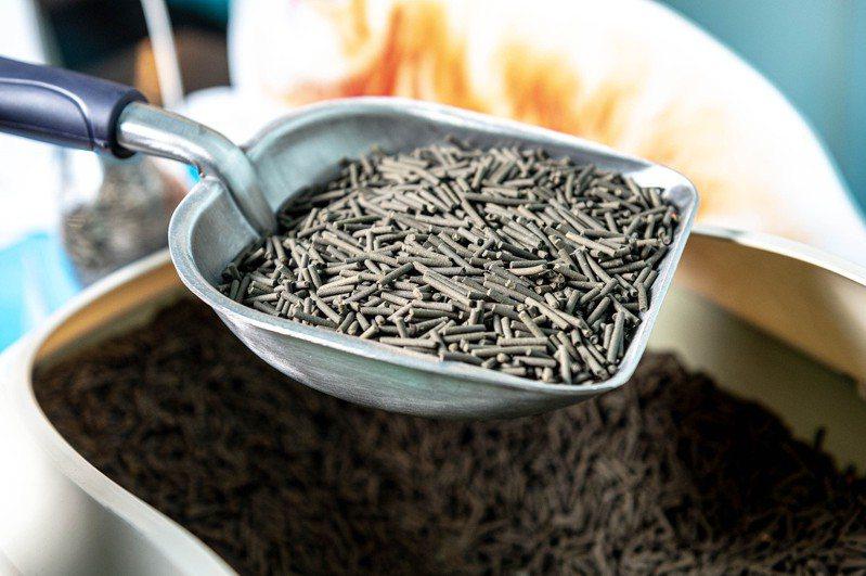 豆渣回收再利用,化廢棄豆渣為貓砂。