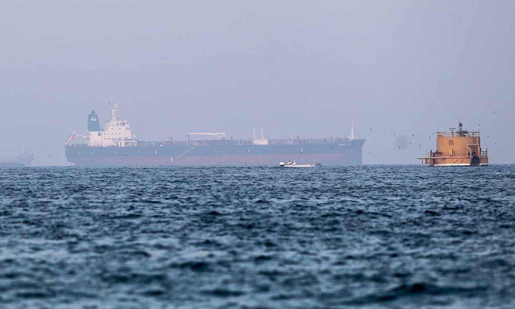 一支伊朗支持的部隊被懷疑是在阿拉伯聯合大公國海岸扣押一艘油輪的幕後黑手,此前英國...