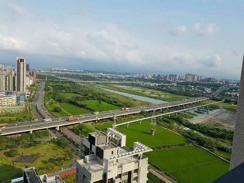 竹北市吸引大量科學園區工作人口,為竹北市帶來人口成長、提高住民所得水準,也帶動房市交易熱度。圖/永慶房屋提供