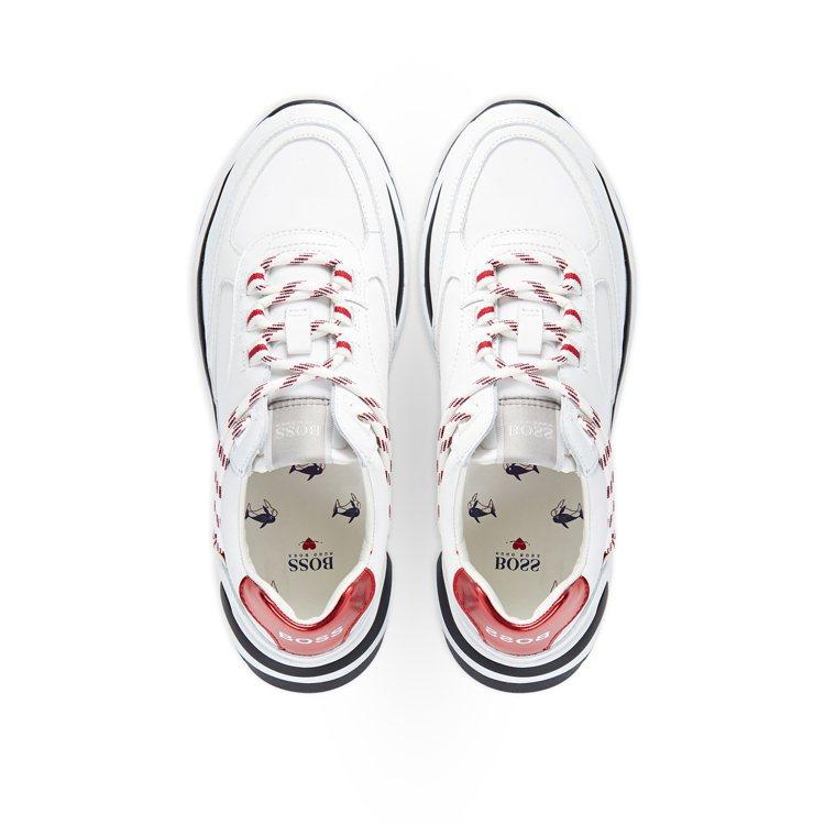 七夕限定系列白色球鞋(女款),13,400元。圖/BOSS提供