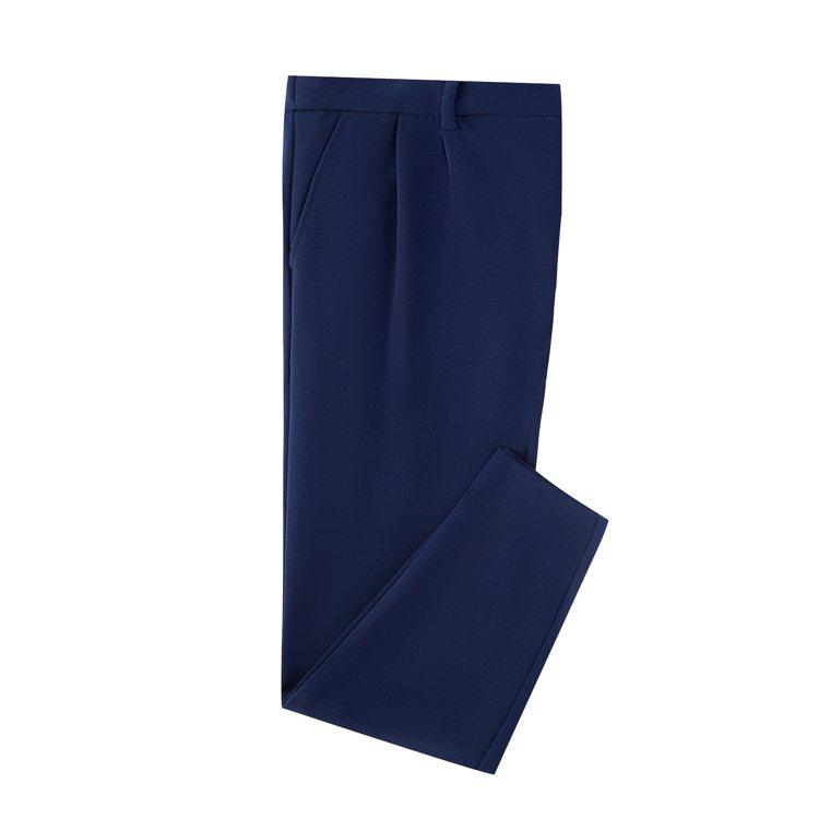 七夕限定系列深藍色彈性棉質長褲,7400元。圖/BOSS提供