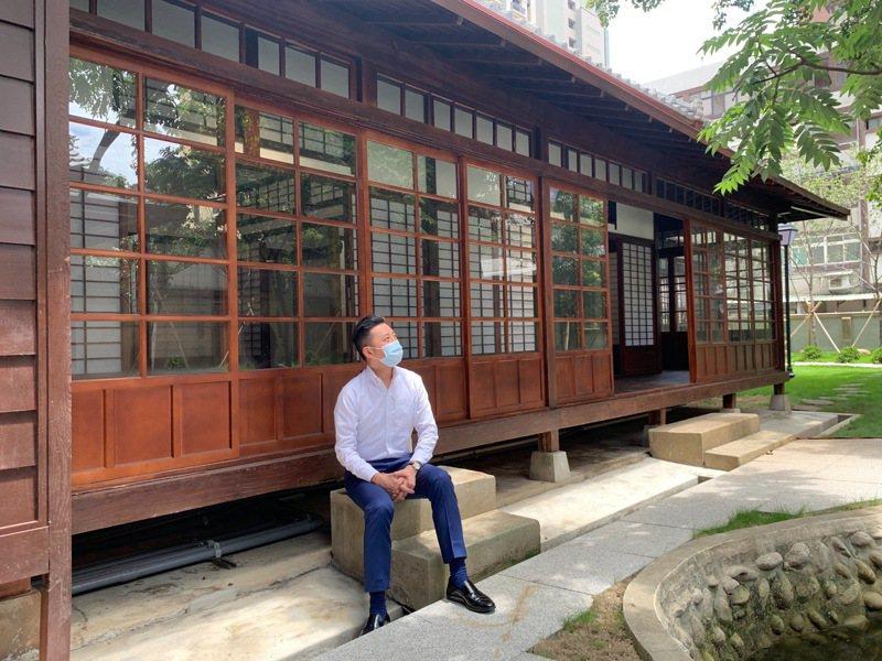 市長林智堅今前往訪視修復完工的新竹州警察局高等官舍。圖/新竹市政府提供