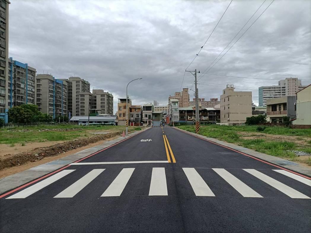 台南永康精忠二村都更上月完工啟用,後續還有社會住宅闢建,市府表示可望為市庫省約1...
