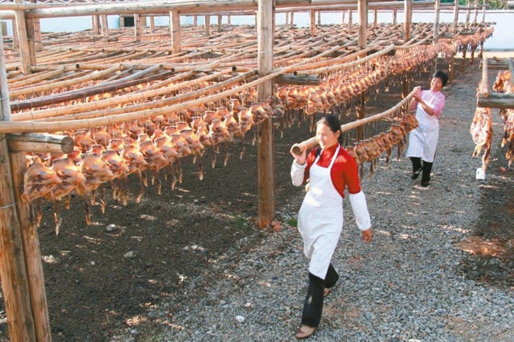 南安板鴨製作工序講究。圖/本報江西贛州傳真
