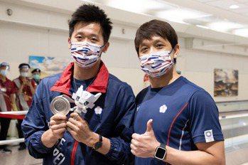 體操/帶李智凱圓夢 阿信教練當年無緣奧運全因「跳機事件」