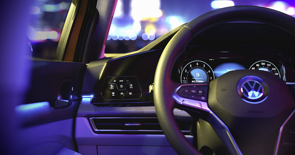 福斯Golf 230 eTSI入門車型即標配Digital Cockpit Pr...