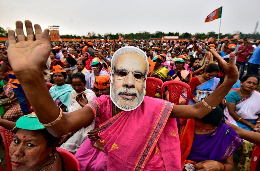 「完全無動於衷。」一向主打印度教民族主義的總理莫迪與內政部長沙阿針對T女童事件沉...