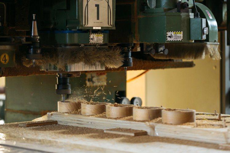 北海道網走的山上木工,擔綱製作東京奧運獎牌盒。圖/取自Twitter @syds...