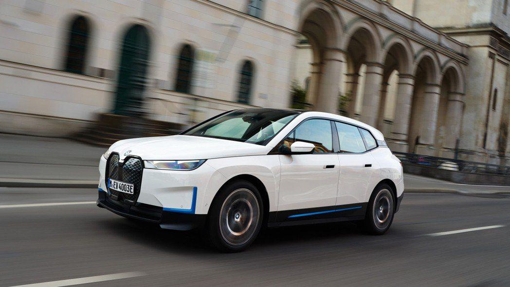 BMW旗艦純電休旅iX。 摘自BMW
