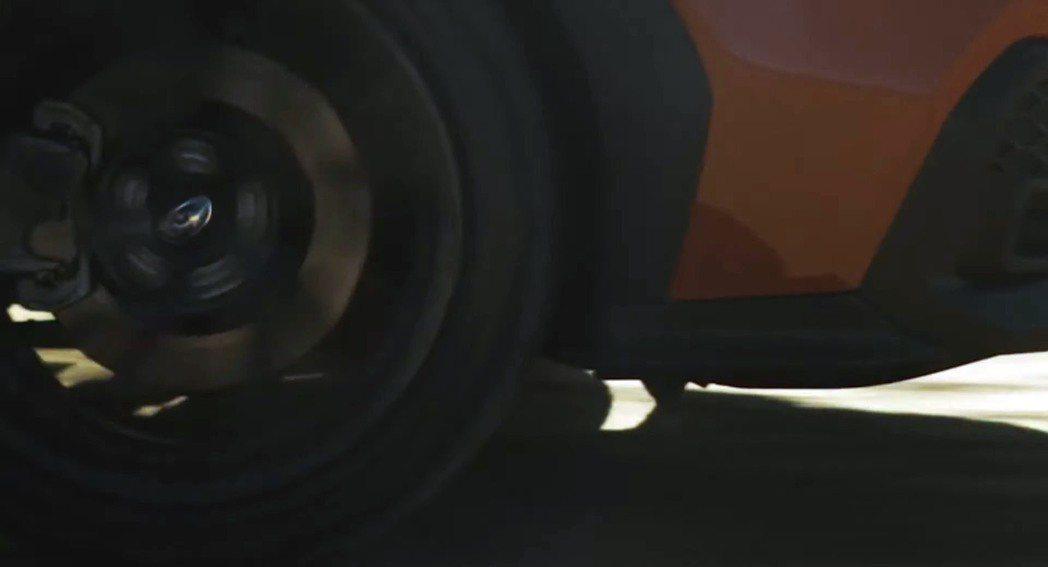 全新WRX的輪拱出現了防刮材質的設計。 摘自Subaru