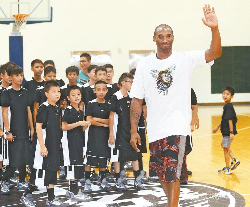 NBA湖人隊球星布萊恩8月5日訪台與球迷見面,露出親切的笑容。圖/聯合報系資料照片