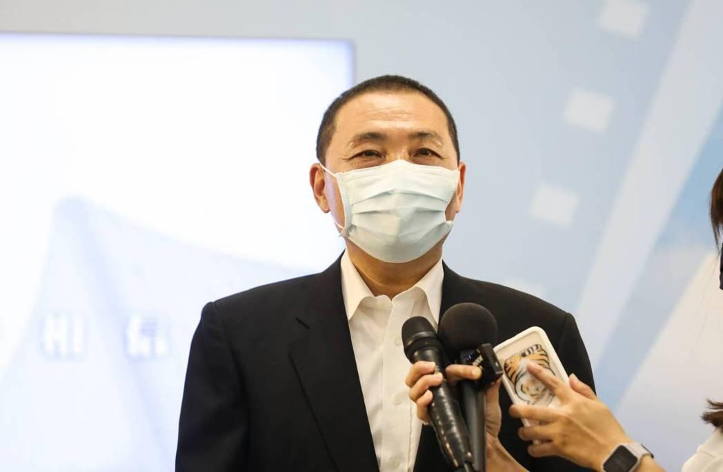 台北市在規劃讓八大行業可以復工,最快9月就可以開放營業,新北市長侯友宜表示,新北...