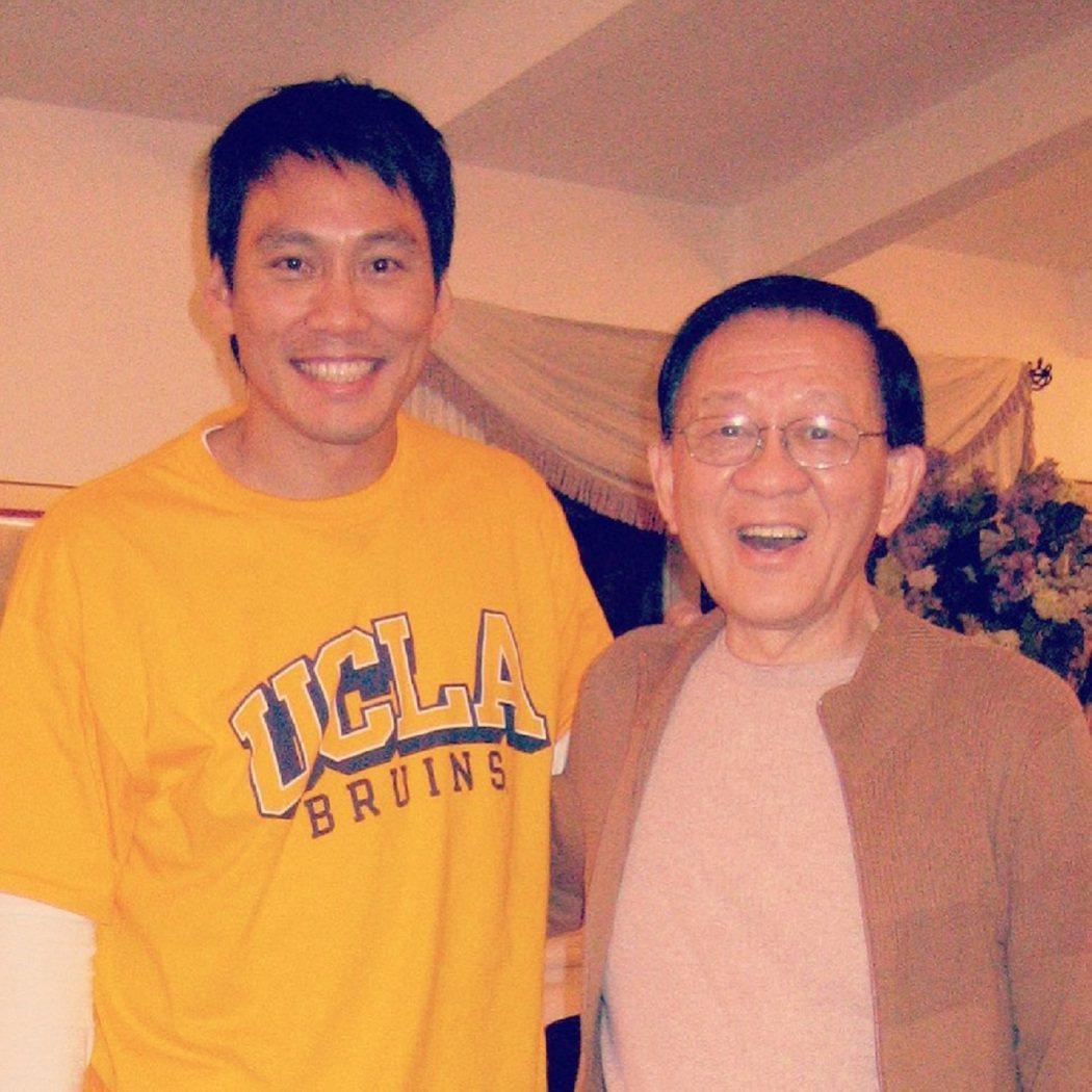艾力克斯(左)隔了18個月終於再度見到爸爸。圖/艾迪昇傳播提供
