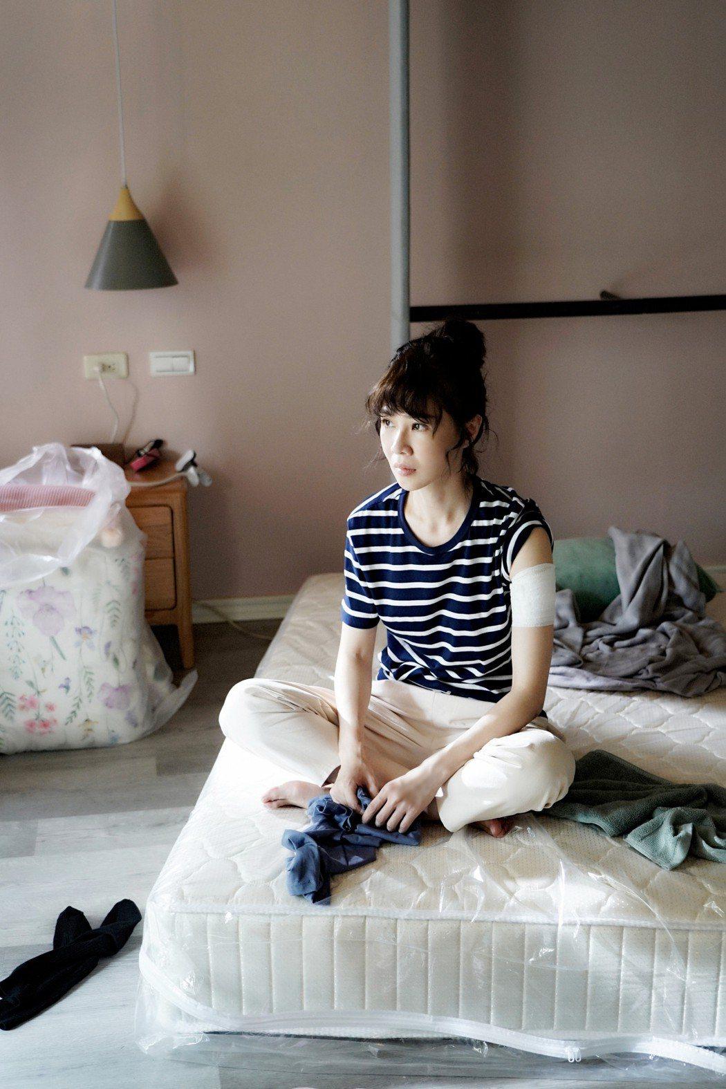 謝盈萱在「俗女2」中面臨人生諸多關卡。圖/華視、CATCHPLAY提供