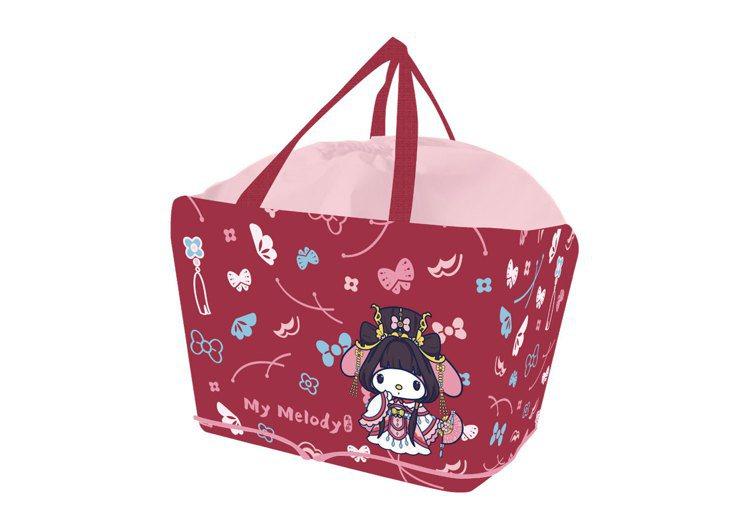 全家便利商店中元節推出「三麗鷗 X 霹靂限量折疊購物袋」,即日起至9月7日購買指...