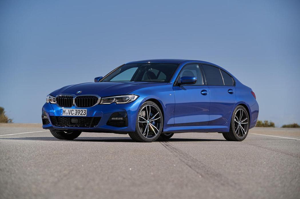 BMW 3系列房車。 摘自CarBuzz.com