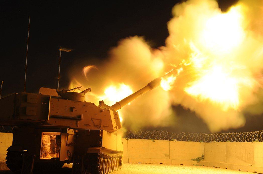 這個名為「銳霆專案」軍購案似乎拖了很久。雖然實際上並未嚴重延宕,但至少勘稱是「好事多磨」。圖為M109A6。 圖/維基共享