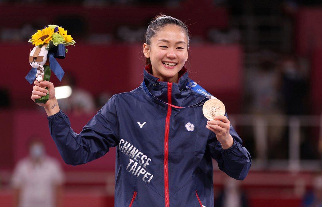 我國空手道女將文姿云在東奧女子空手道55公斤級拿下銅牌,清秀的外型也讓她擁有「小