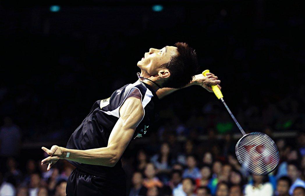 李宗偉在11歲才開始接觸羽球,但依靠其努力與天賦,最終用了短短幾年的時間進入馬來...