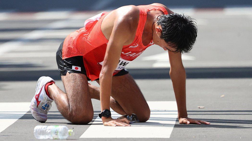 選手在酷暑下進行50公里競走,因此被視為本屆東京奧運一大酷刑。 路透