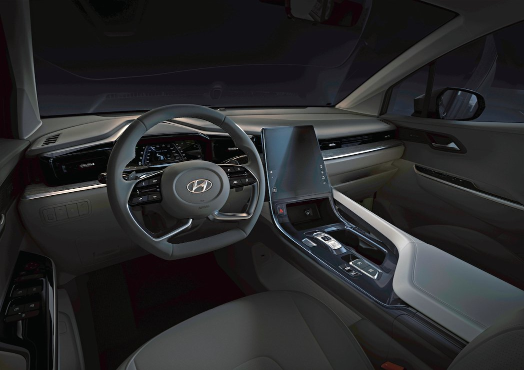 Hyundai Custo車室配置一具10.4吋直立中控螢幕。 摘自北京現代
