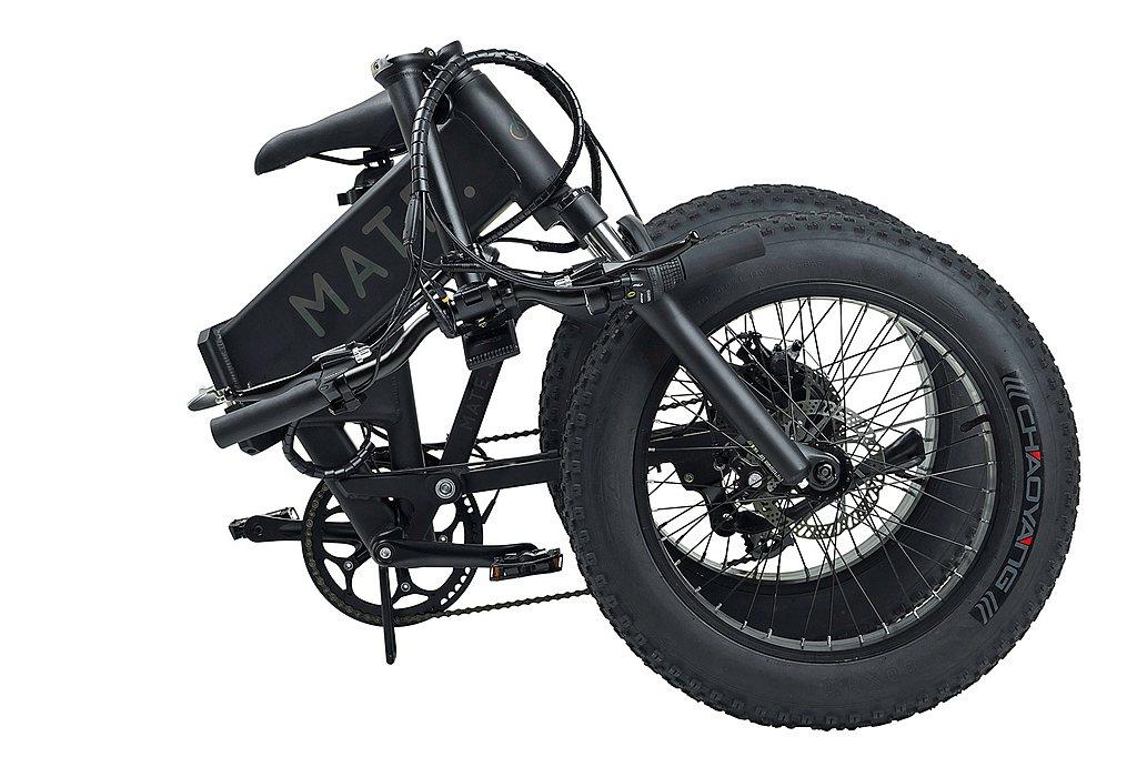 MATE X大幅強化的車架結構極為堅固耐用,可承受越野路面重度操駕,車架剛性遠比...
