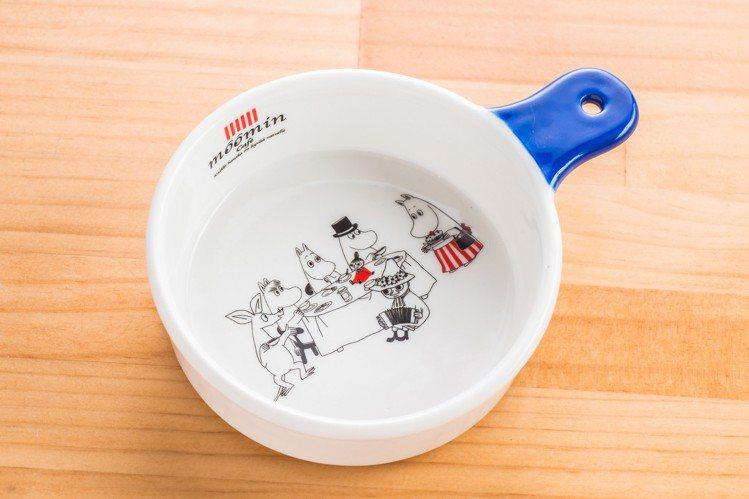 凡餐飲消費滿800元,即可獲贈嚕嚕米圓形烤皿1個。圖/嚕嚕米主題餐廳提供