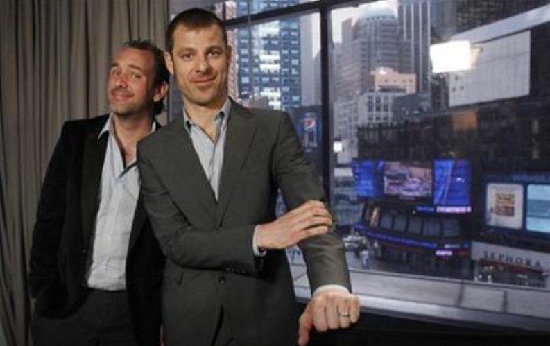 麥特史東(右)與崔派克(左)因「南方四賤客」續新約將賺進250億台幣。(路透資料...