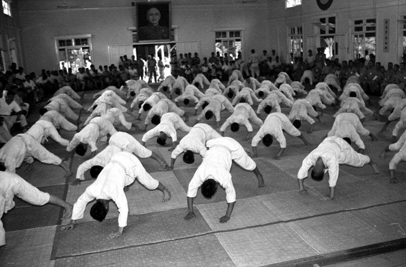 柔道由黃滄浪引進警大,已是警大主流武技項目。圖為1960年全省警察柔道比賽大會。圖/聯合報系資料照片