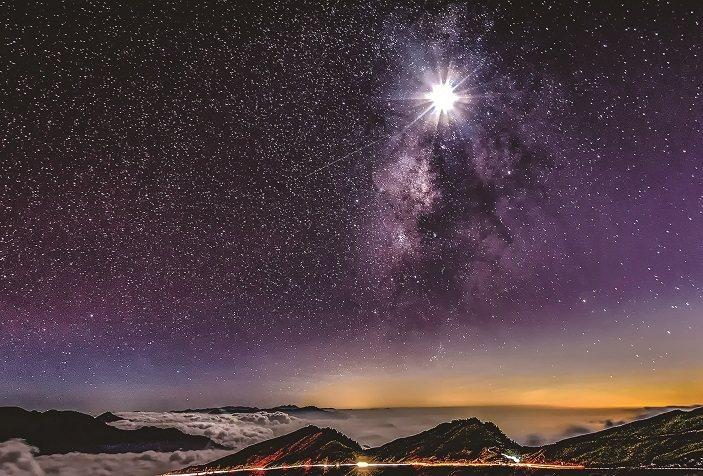 合歡山暗空公園啟用以來,吸引天文迷到合歡山追星。圖/南投縣政府提供