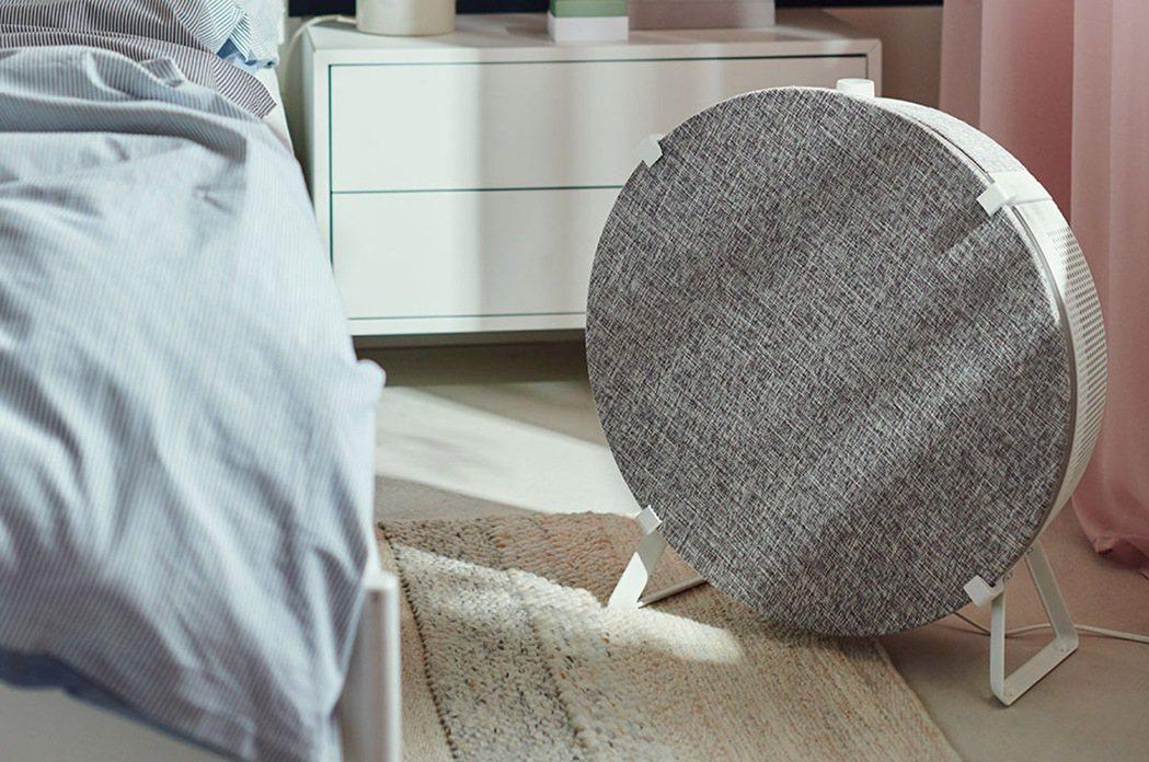 國外IKEA上市的STARKVIND空氣清淨機,可跟邊桌結合,也能單獨使用。圖/...