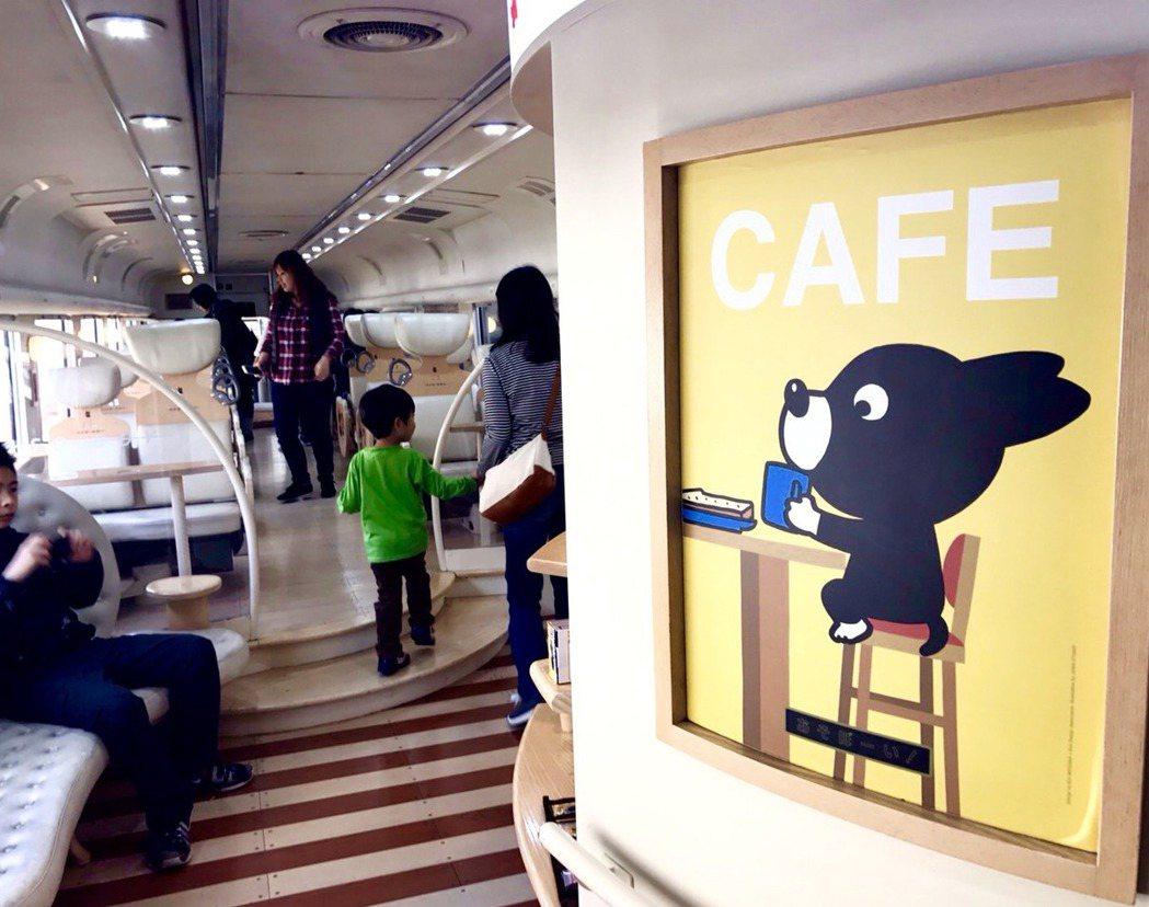 移動式的咖啡店,可以到處遊走,好像浮雲般自由自在。圖/李清志提供