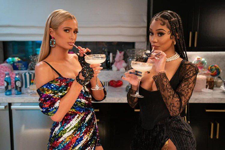 芭黎絲希爾頓與薩維蒂的蝦仁塔可之夜。圖/取自Paris Hilton臉書
