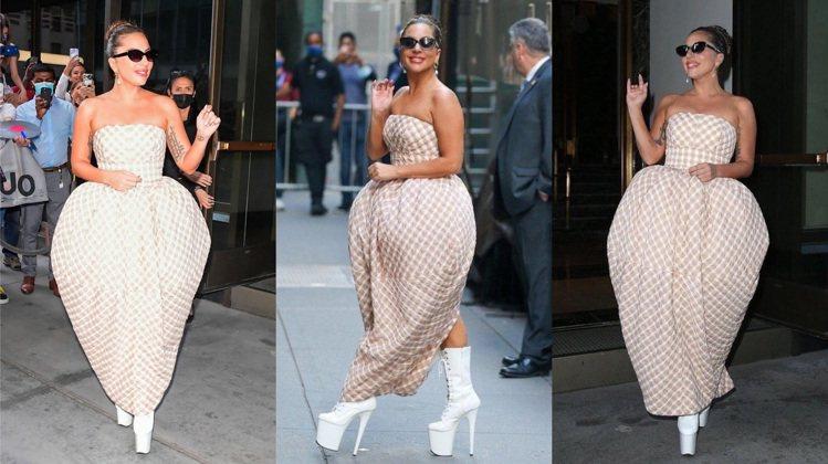 Lady Gaga穿Christopher John Rogers的草莓裙,搭配...