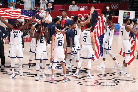 籃球/美國男籃金牌4連霸 詹姆斯發推特祝賀