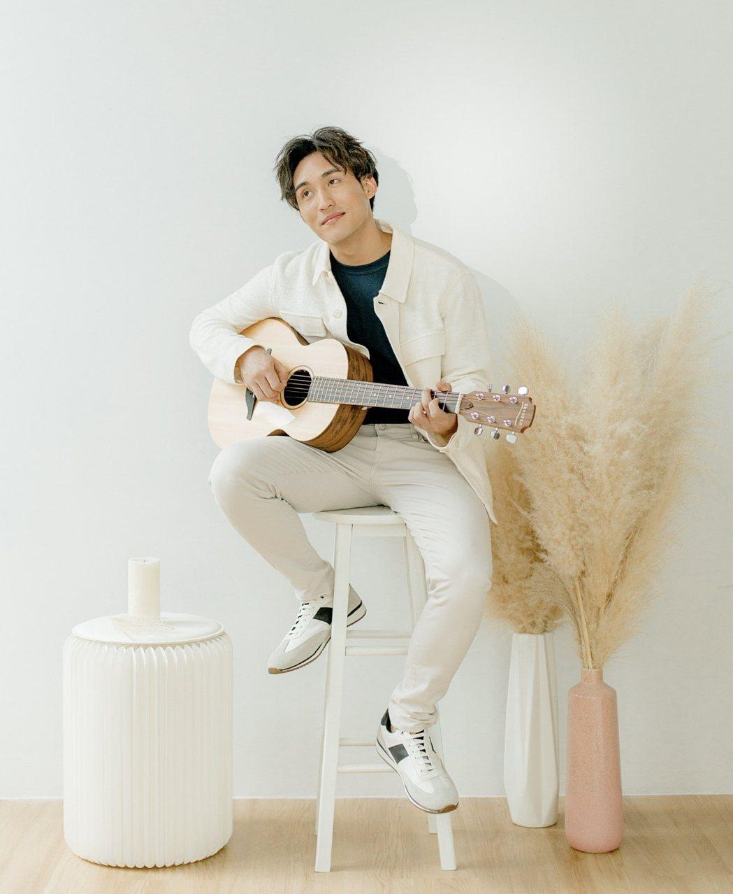 「星國言承旭」李俊緯29歲生日推出首張個人專輯。圖/李俊緯提供