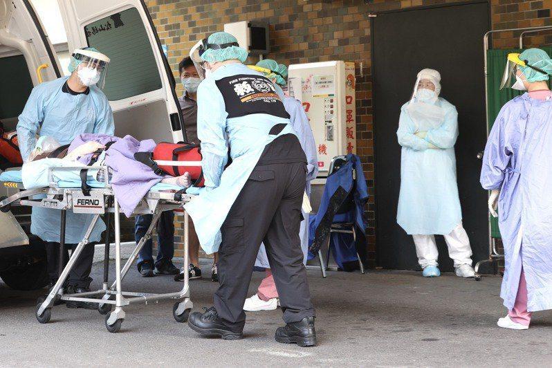 接獲民眾死亡通報後,第一時間該由那個單位負責驗屍,一度成為醫師和檢警的爭端。圖/聯合報系資料照片