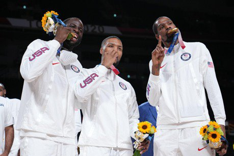 籃球/杜蘭特諷排名看扁美國 格林要唱衰球評拿出愛國心