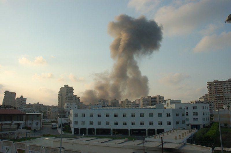 以色列睽違15年後再度襲擊黎巴嫩真主黨。(Photo by M Asser on Flickr under CC 2.0)